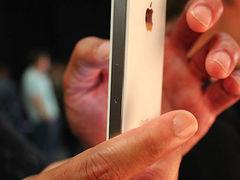 与官方同步 白色版iPhone 4震撼到货