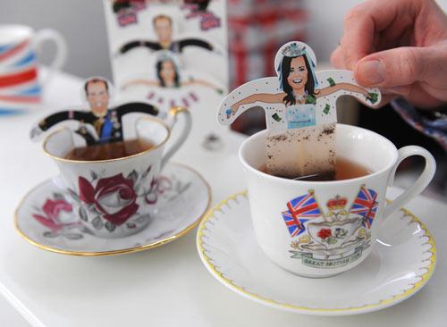 描绘威廉王子和他的未婚妻凯特的特种茶袋