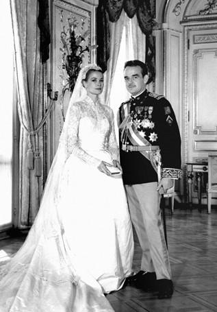 可惜她与戴安娜王妃遭遇同样的命运,1982年在车祸中丧生.   戴安娜
