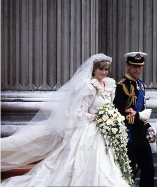皱纹纸做婚纱步骤