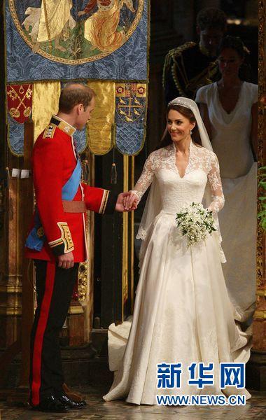 当天,英国威廉王子和凯特·米德尔顿的婚礼在伦敦的威斯敏斯特教堂举行。新华社/路透