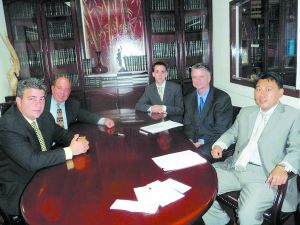 律师团部分成员