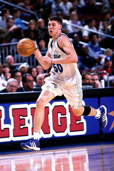 2001年,魔术麦克-米勒