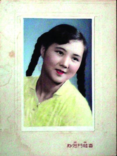顾家瑾22岁时拍的染色照片
