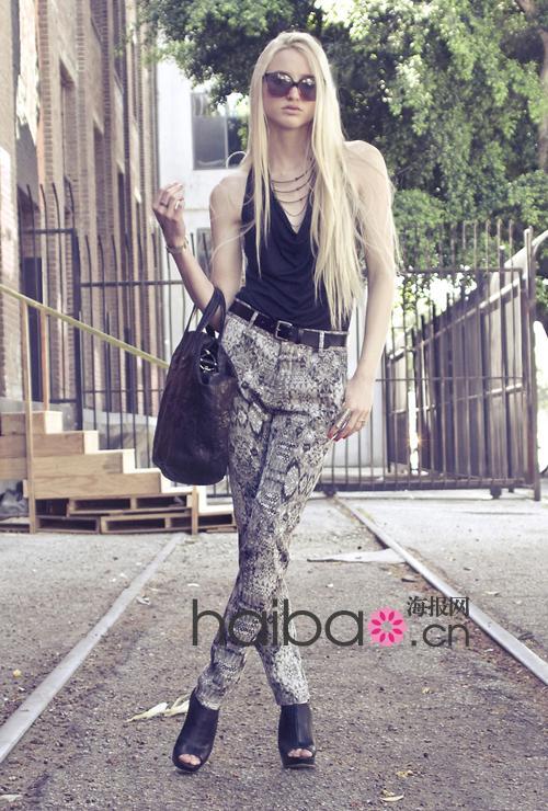 欧美第一色情网络_海报网2011夏季欧美型人街拍第三辑,40身时髦look给你最新鲜的着装