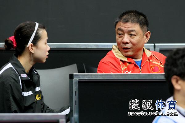 图文:2011年世乒赛训练花絮 李晓东特写