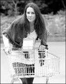 英国新王妃超市购物 婚后首次现身公共场合(图)