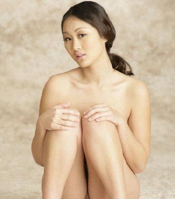 美华裔女优当人体模特爆红