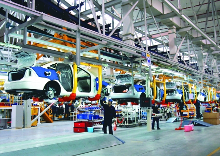 渝北长安福特工业园,长安福特福克斯轿车生产流水线 记者 高清图片