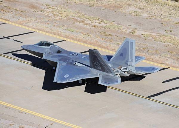 美国宣布无限期停飞f22
