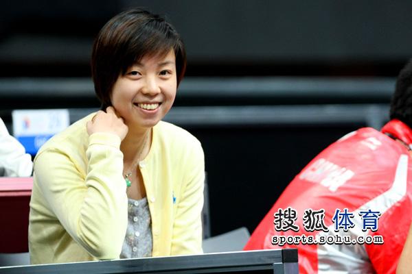 张怡宁满面笑容