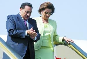 2006年5月11日,时任埃及总统穆巴拉克与妻造访摩洛哥。