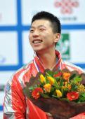 图文:世乒赛男子单打颁奖瞬间 马龙获男单铜牌