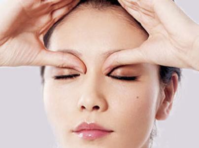 眼睛干涩胀痛_每天早上起床眼睛干涩,胀疼-为什么每天早上起来,眼睛疼?