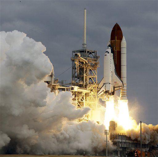 美国奋进号航天飞机最后一次发射