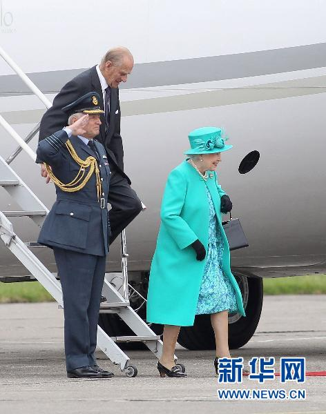 英国女王伊丽莎白二世访问爱尔兰图片