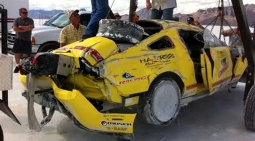 时速426公里撞击下,野马汽车基本没有发生大的形变 高清图片