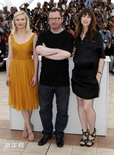 5月18日,在戛纳南部海滨城市戛纳举行的第64届法国国际电影节上,衣服做电影的英文影片图片