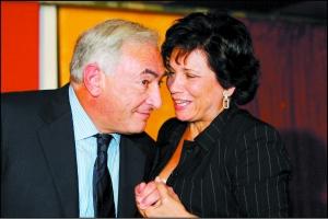 2006年3月12日,卡恩与妻子辛克莱尔在一起。资料图片