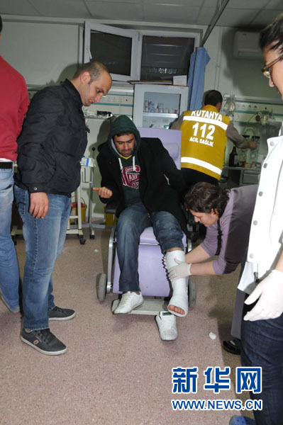 土耳其西部地震已造成2人死亡79人受伤