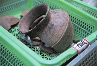 出土的陶罐