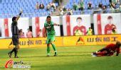 图文:[中超]辽宁0-0北京 徐云龙怒吼裁判