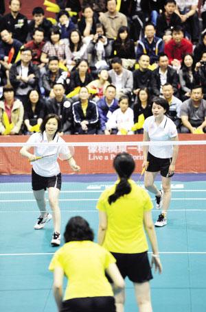 女双组合葛菲/顾俊正在比赛中 本组图片均由本报记者 王雄 摄