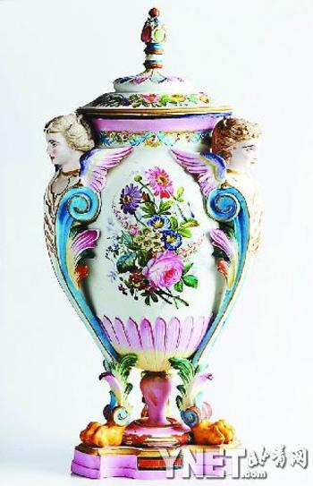 描金花卉图人面兽身瓷雕盖瓶