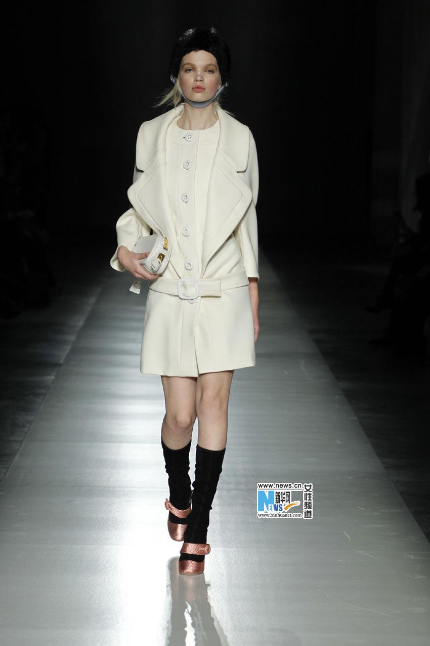 2011/2012意大利米兰秋冬时装周,prada全新设计系列发布.