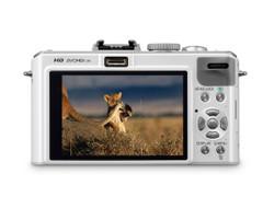 大光圈便携相机旗舰 松下LX5促销3200元