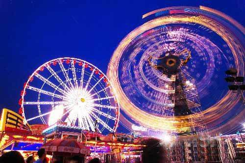 石景山游乐园供图图片