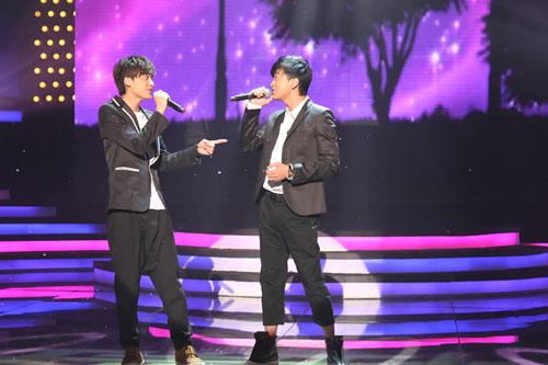 舞台上犹如两兄弟配合默契