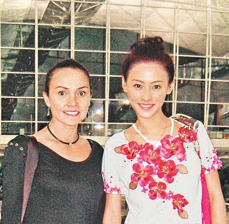 张柏芝和母亲(图片来源:资料图片)