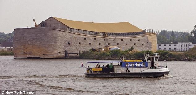 """惠博斯建造的现代版全尺寸""""诺亚方舟"""""""