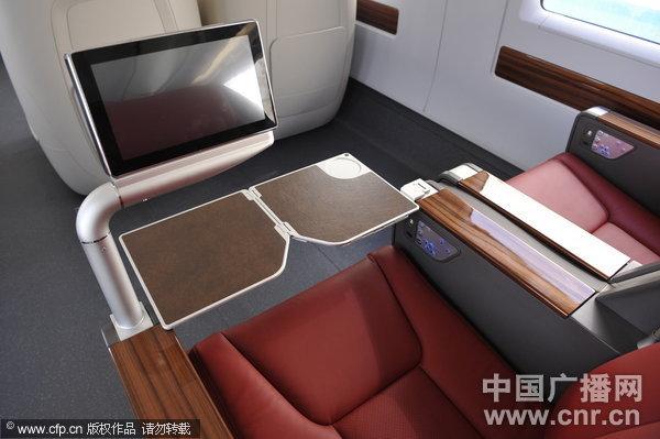 动车二等座有桌子吗_抢先探秘:京沪高铁动车车厢内部构造(高清)(组图)