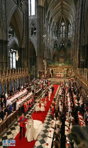 4月29日,英国威廉王子和凯特·米德尔顿在伦敦的威斯敏斯特教堂举行婚礼。新华社/英国报联社