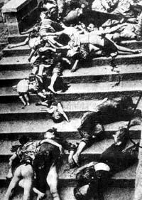 因窒息而死的重庆市民堆满了大街