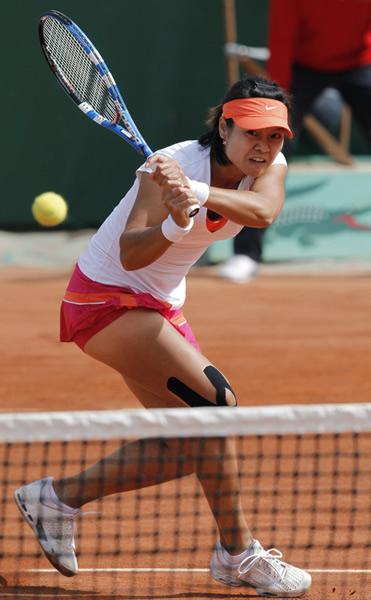 第一轮:李娜2-1斯特里科娃
