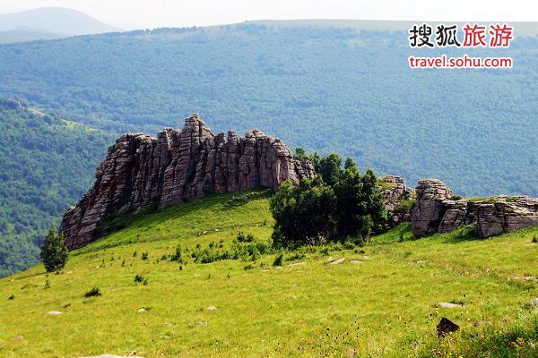 阿斯哈图石林 图片来源:万里云心(搜狐旅游)
