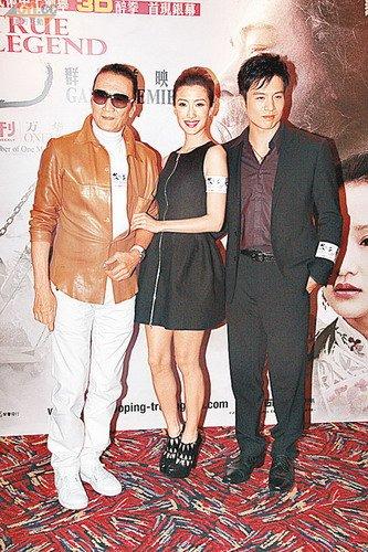 据悉谢贤、谢婷婷及安志杰明日将飞赴吉隆坡找谢霆锋。(资料图片)