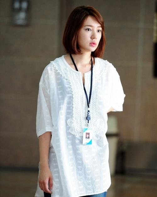 尹恩惠从美少女壮士到icon