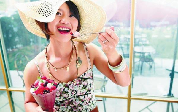 李娜为其赞助商拍摄了一组时尚写真