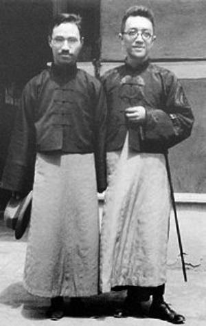 陈独秀 (左)与胡适(右) 资料图片