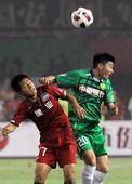图文:[中超]河南1-1北京 张辛昕争顶