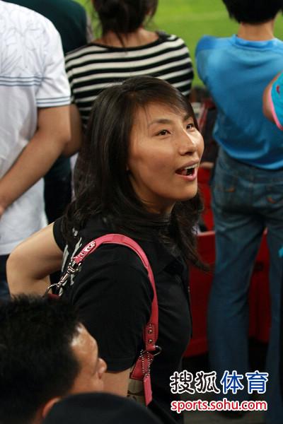 天津女排队长李娟亮相