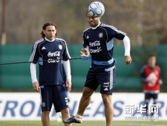 阿根廷国家足球队现任教练是谁?