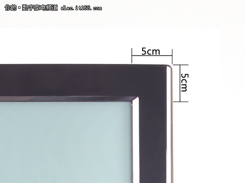 松下TH-P42C22C的边框宽度示意图