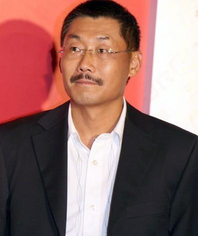 导演何平(资料图)