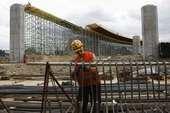 2012欧锦赛场馆之一格但斯克PGE球场紧张建设中