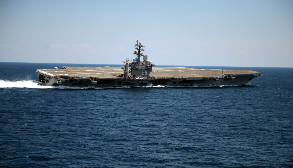 6月14日,美海军cvn-69艾森豪威尔号航空母舰海试图片